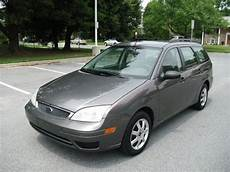 sell used 2005 ford focus station wagon in hialeah