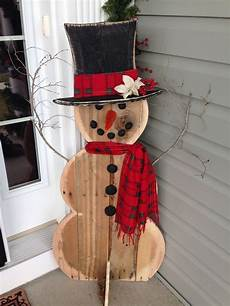 Basteln Weihnachten Holz - pin by allison langevin on craft idea wood snowman