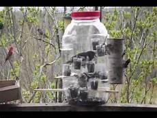 mangeoire d oiseaux fabriqu 233 e avec un pot g 233 ant en