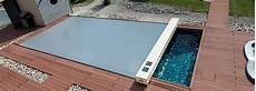couverture piscine tendue 4 saisons abrisud coverseal en