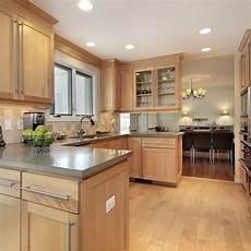 Kitchen Backsplash Ideas With Birch Cabinets by 25 Best Ideas About Maple Kitchen Cabinets On