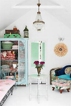 Vintage Style Home Decor Ideas by Vintage Style Decorating How To The Budget Decorator