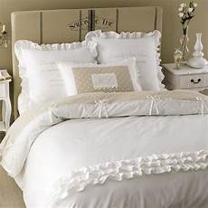 parure de lit coton parure de lit en coton blanche 240 x 260 cm maisons du monde