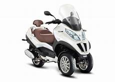 scooter 3 roues piaggio scooters piaggio 3 roues 125cc ou plus mp3 500 lt business
