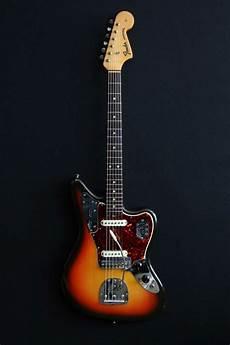 fender jaguar gaucher fender jaguar s 233 rie l sunburst de 1965 guitare collection