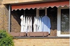 Wäsche Trocknen Balkon - 925 3407 hemden zum trocknen auf einem balkon in hamburg
