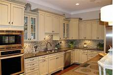 20 awesome backsplash ideas with white cabinets and