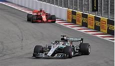 Formel 1 Wm Stand Zwischen Sebastian Vettel Und Lewis