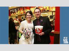 The KFC Wedding   Wedding Unveils   Funny Wedding Photos