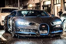 Bugatti Chiron Options by Bugatti Chiron Roams With A 700 000 Option Carbuzz