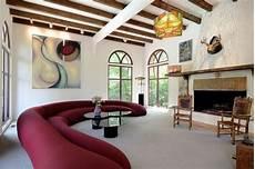 Wohnzimmer Decken Ideen - deckengestaltung ideen wohnzimmer holzbalken sessel design