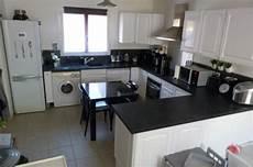 cuisine blanc et noir 85055 cuisine blanche noir inox 8 photos smarti26