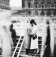 photo romantique noir et blanc robert doisneau photographie amoureux