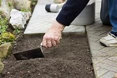 Gartenwege Selber Machen 187 So Planen Und Bauen Sie Sie Selbst