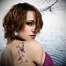 Frauen Schulter - sports flying butterfly tattoos