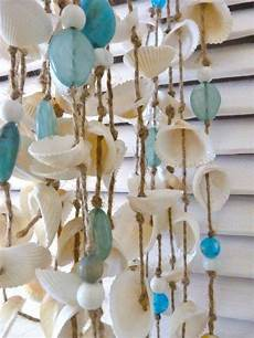 Basteln Mit Muscheln Windspiel - windspiel muscheln blaue keramik kugeln sommerdeko idee