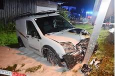 Unfall Mit Firmenwagen - firmenwagen fing nach unfall feuer betrunkener lenker