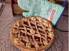 crostata di crema di benedetta rossi ricetta crostata di benedetta rossi senza uova e senza burr dolcidee