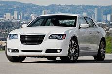 report next chrysler 300 may adopt pacifica architecture motor trend