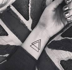 20 id 233 es de tatouages pour le poignet rep 233 r 233 s sur