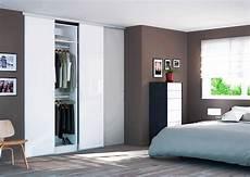 porte coulissante placard comment installer des portes de placard coulissantes