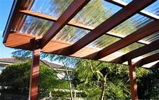 tettoia in legno autorizzazione tettoie di grosse dimensioni necessario il permesso a