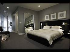 Bedroom Decorating Ideas With Gray Bed by Grey Carpet For Bedroom Decor Ideas