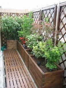 haie pour terrasse caillebotis et jolis bacs terrasse bois jardins