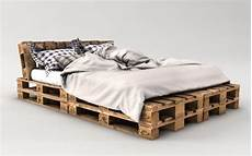 bett selber bauen paletten palettenbett bauen ganz einfach hier 2 praktische varianten palettenbetten palettenbett