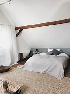 schlafzimmer dachschräge ideen dachschr 228 einrichten tipps und ideen f 252 r das dachgeschoss