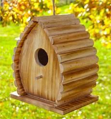 nichoir a oiseaux plante en ligne