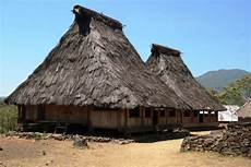 Uniknya Bentuk Dan Filosofi Rumah Rumah Di Desa Adat