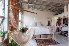 Desain Kamar Tidur Dinding Bata Ekspose Yang Keren Dan Eksotik