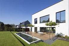 Terrasse Mit Wasserbecken Garten Garten