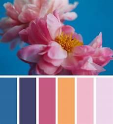 Dunkelblau Mittelblau Warme Farben Kombinieren Colors In