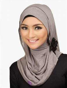 Gaya Jilbab Terbaru Dengan Gambar Gaya