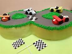 gateau circuit voiture g 226 teau circuit de voiture lolit cupcakes