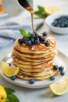 lemon ricotta pancakes cooking