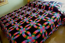 17 best amish wedding ring quilts images pinterest double wedding rings wedding ring quilt