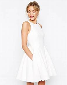 robes patineuses blanches