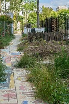 Dans Un Jardin Jardin Communautaire Wikip 233 Dia