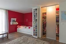 Begehbarer Kleiderschrank Mit Innenlicht Im M 228 Dchenzimmer