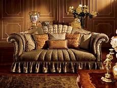 divani d epoca divano a tre posti con braccioli arricciati idfdesign