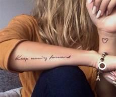 Tattoos Frauen Schriftzug - same writing different words forarm tattoos tattoos