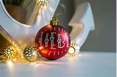 weihnachtskugeln beschriften lassen weihnachtskugeln beschriften jetzt noch sch 246 ner