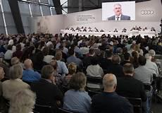 hauptversammlung bmw 2017 audi chef stadler vertrag verl 228 ngert aktion 228 rskritik