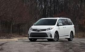 2020 Toyota Sienna Reviews  Price Photos