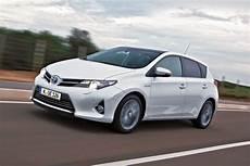 Toyota Auris Hybrid Verbrauch - toyota hybrid jetzt nochmals 10 prozent sparsamer speed