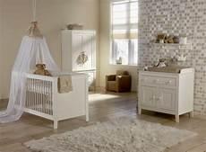 tapeten babyzimmer wandgestaltung im babyzimmer f 252 r ein originelles ambiente