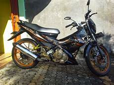 Modifikasi Satria Fu Standar by Modifikasi Simple Suzuki Satria Fu 150 Gold